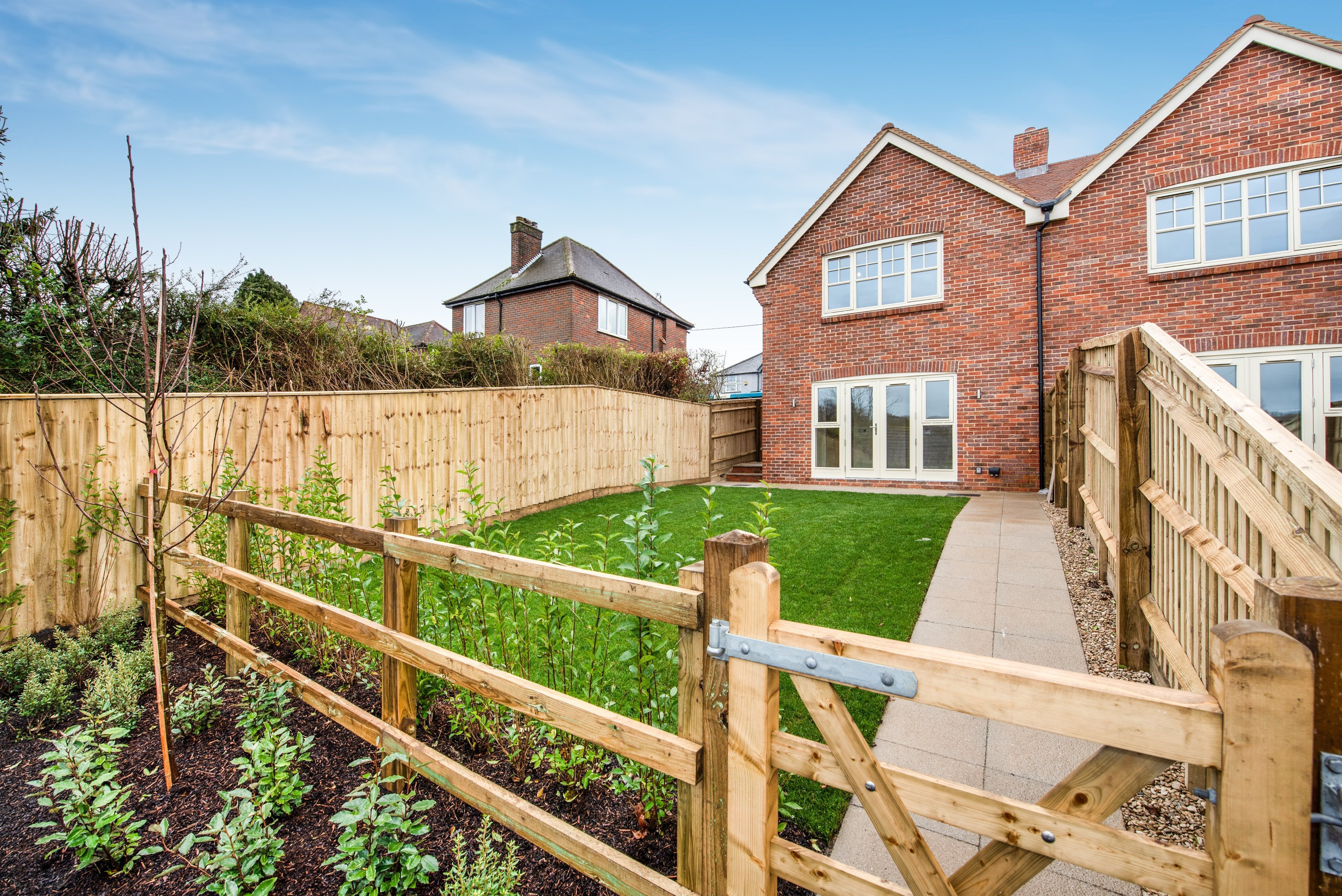 2494996858429 Properties two and three are available now. For a viewing please contact JNP  New Homes on 01494 521222 or email newhomes jnp.co.uk
